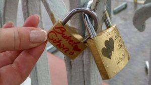 Fransa Paris Aşıklar Köprüsündeki Kilidimiz