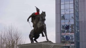 Kosova Priştine İskender Bey Heykeli