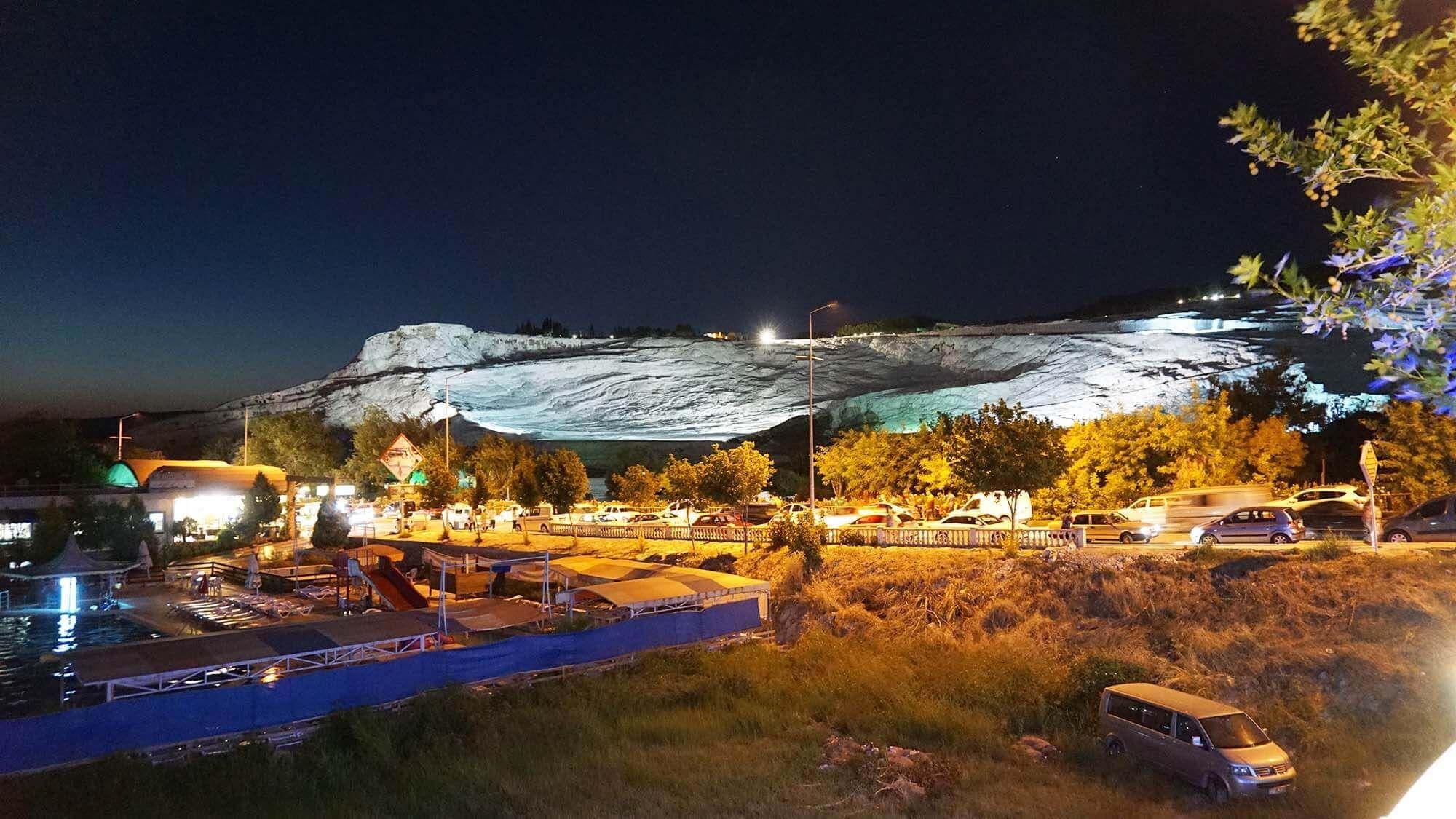 Pamukkale Travertenleri Gece Manzarası